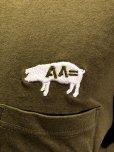 画像2: AA= PIG EMBROIDERY POCKET TEE (OL) (2)
