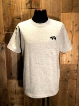 AA= PIG EMBROIDERY POCKET TEE (GY)